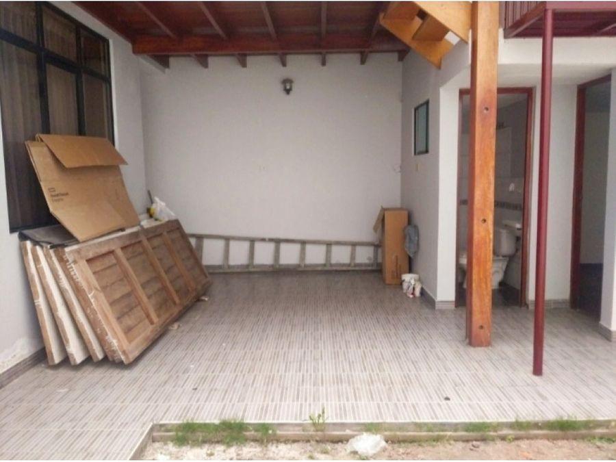 vendo casa de 200m2 en urb maranga san miguel