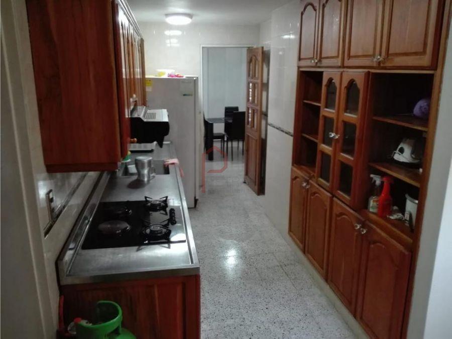 se vende apartamento en estadio medellin