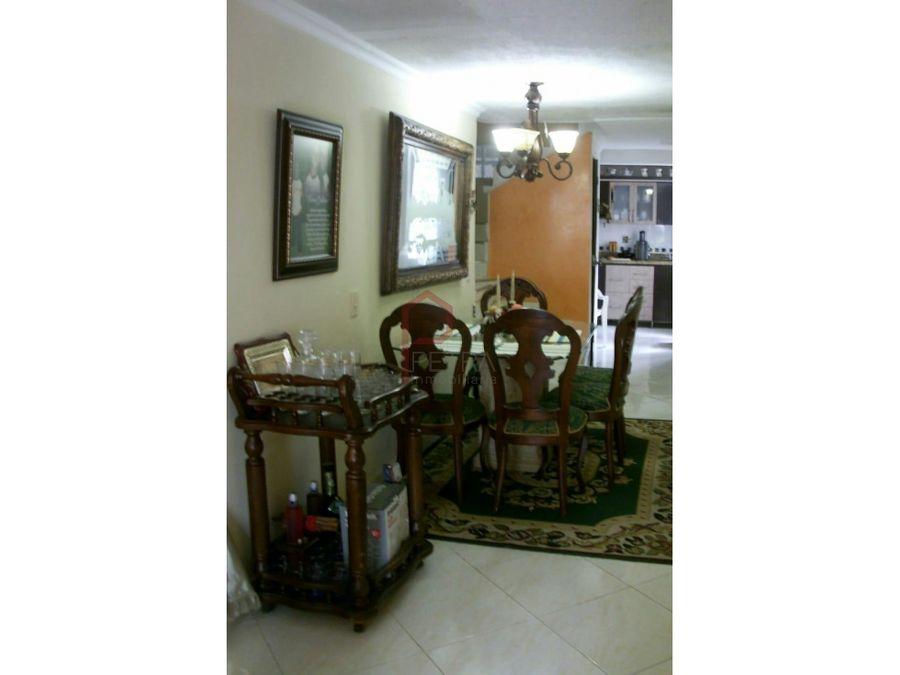 venta de casa 3 niveles en santa monica medellin