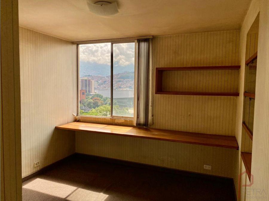 se vende apartamento en conquistadores medellin