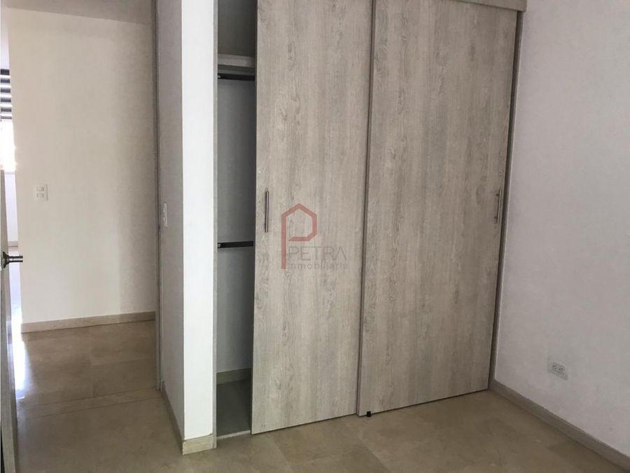 se vende apartamento en laureles la castellana medellin