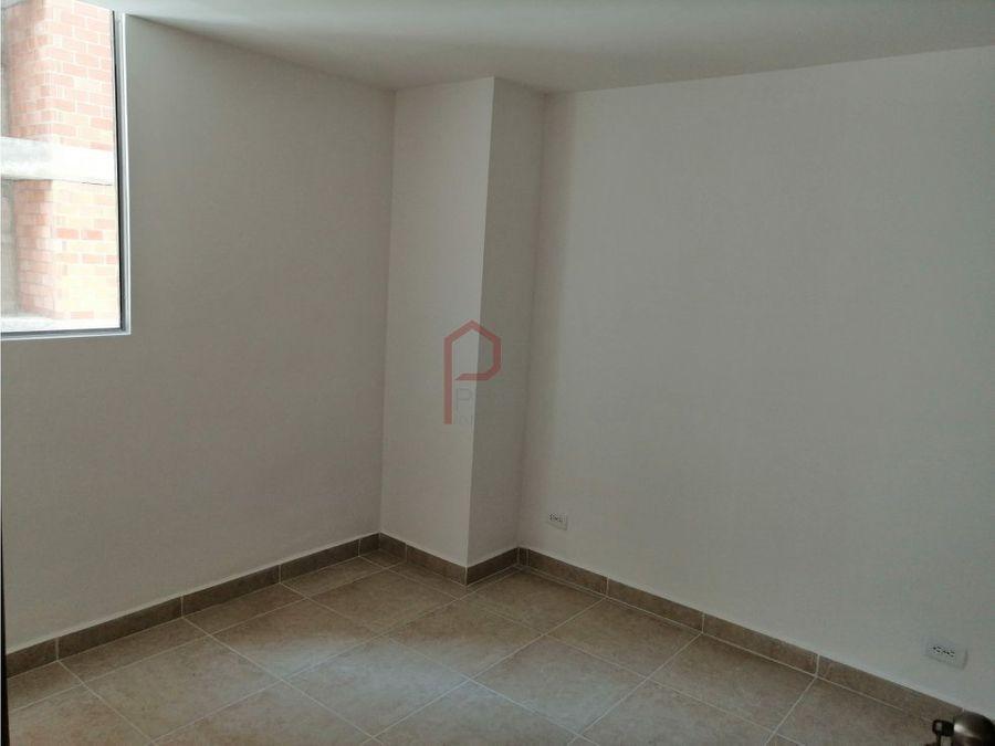 se arrienda apartamento en la gabriela bello
