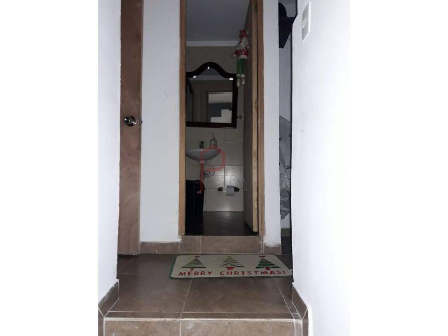 venta de casa 3 niveles en robledomedellin