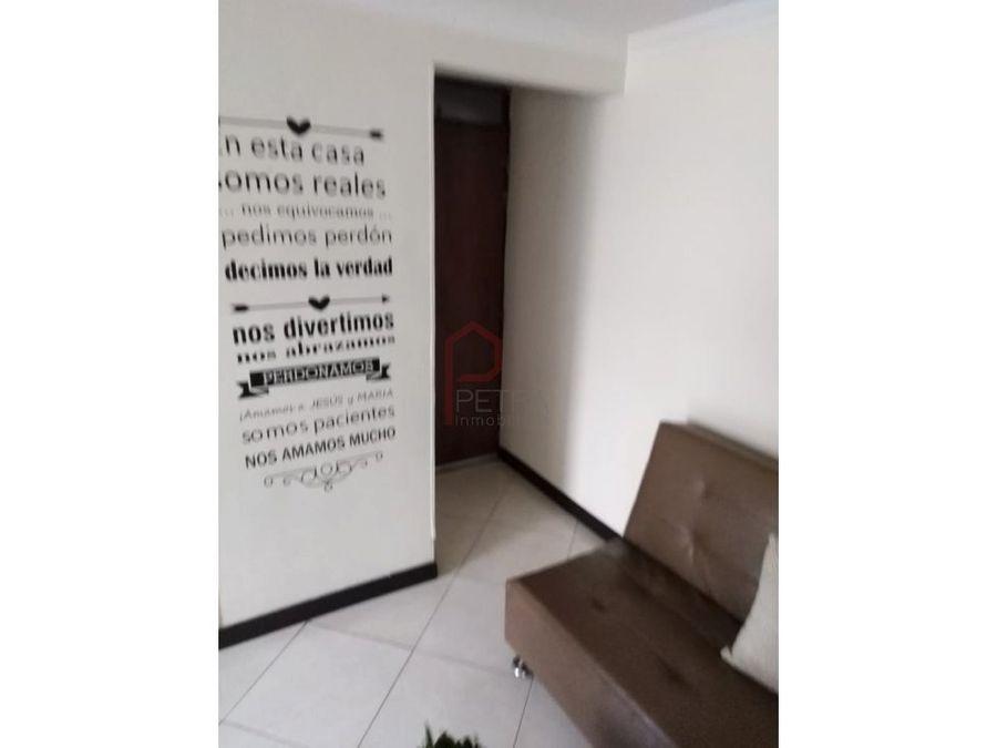 se vende apartamento en rodeo alto medellin