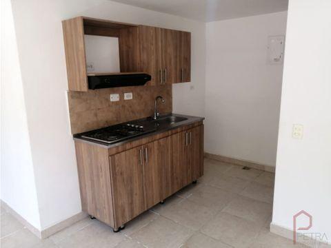 se arrienda apartamento en madera bello