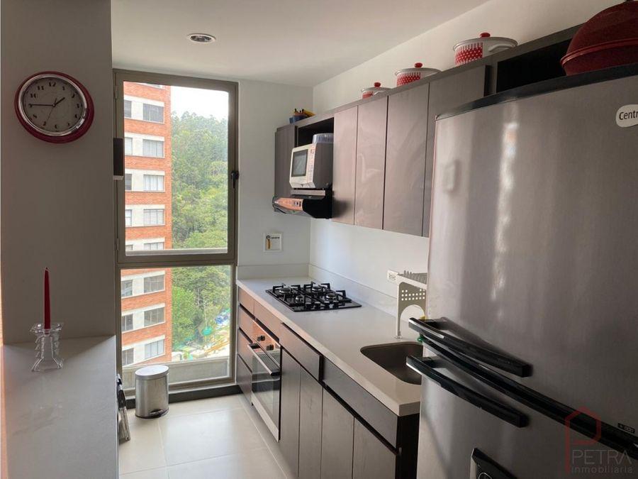 se vende apartamento en altos del poblado medellin