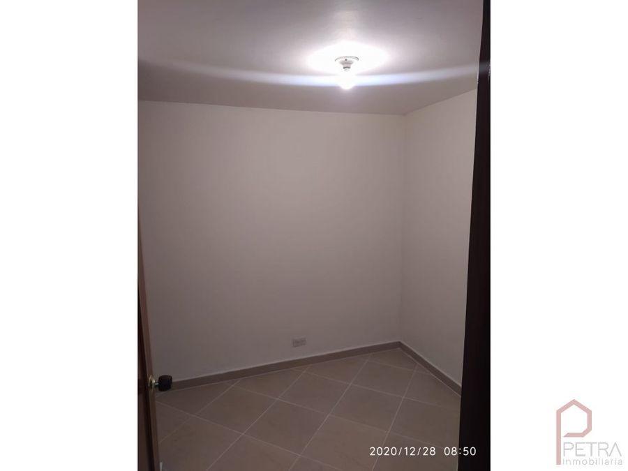 se arrienda apartamento en estadio medellin
