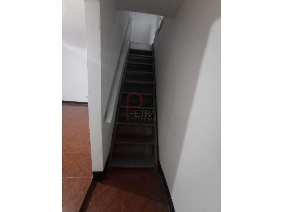se arrienda apartamento en manrique medellin