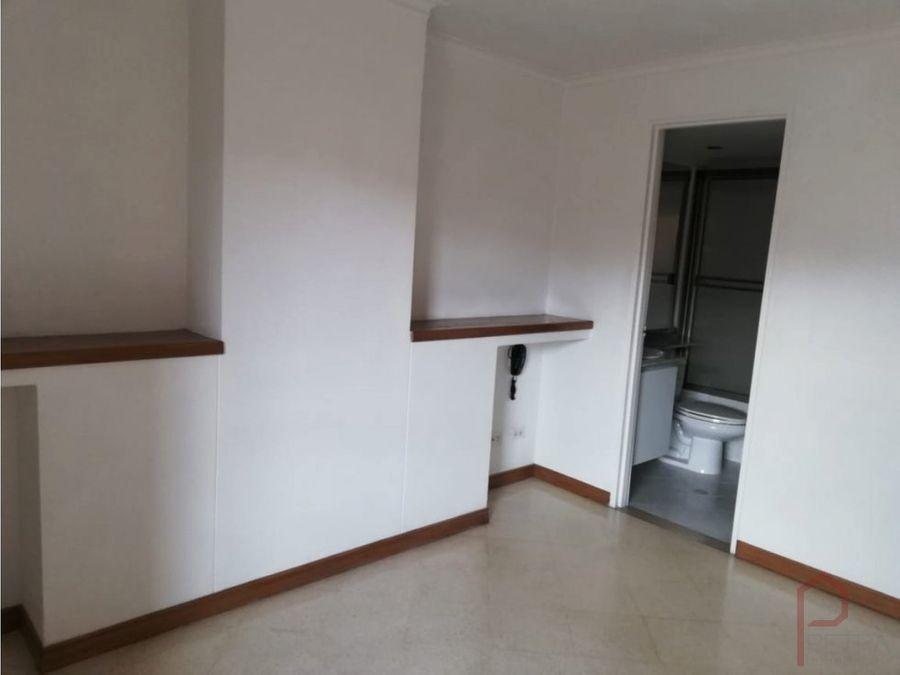 se arrienda apartamento en bolivariana medellin colombia