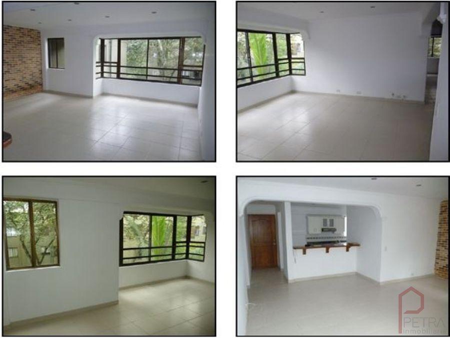 se vende apartamento en la mota medellin