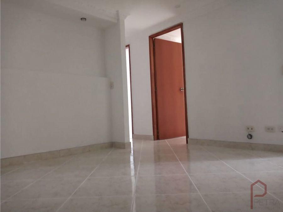 se arrienda apartamento en rodeo alto medellin