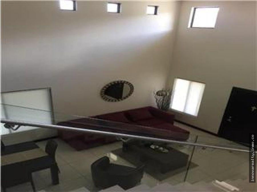 en venta casa con apartamento santa ana