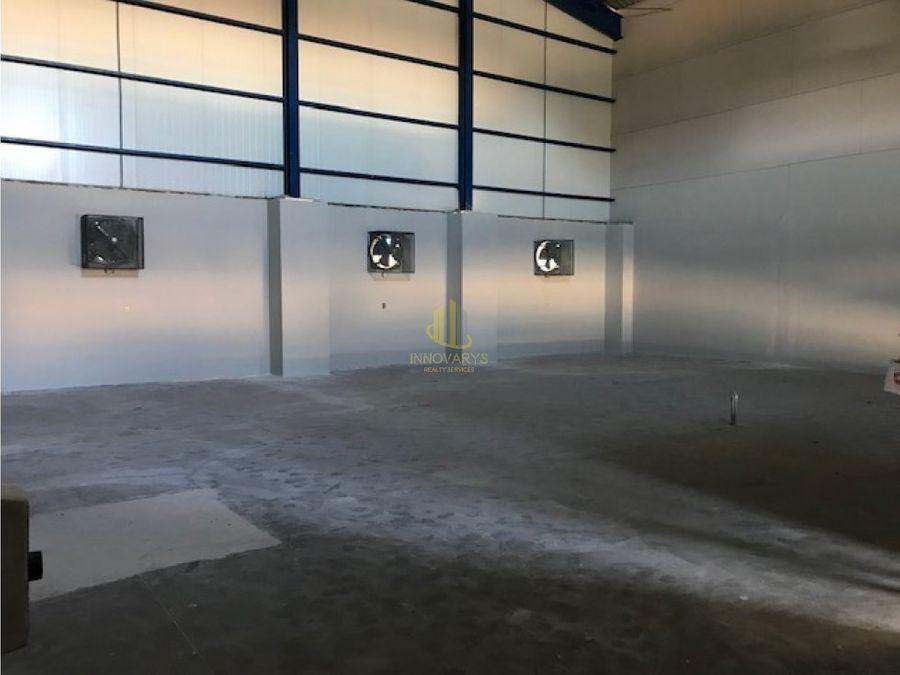 alquiler bodega de 289 m2 pozos santa ana