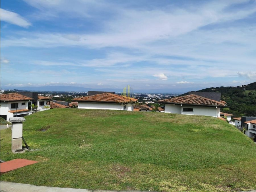 en venta lote 862 m2 con vista en lomas de valle santa ana
