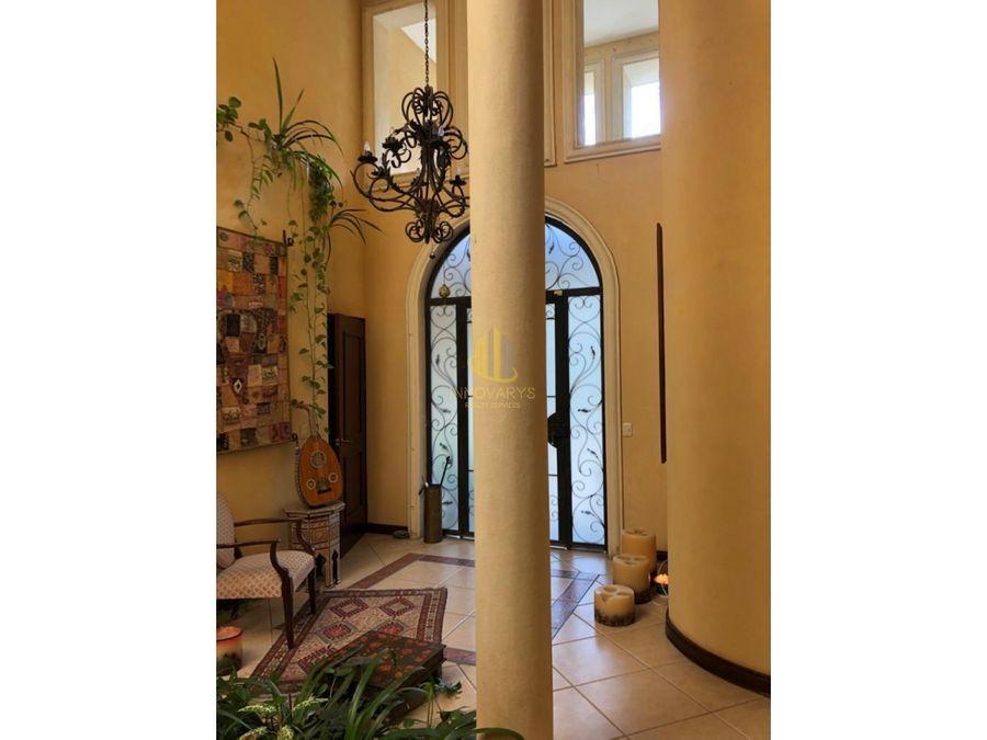 amplia casa con piscina propia en residencial ecologico santa ana