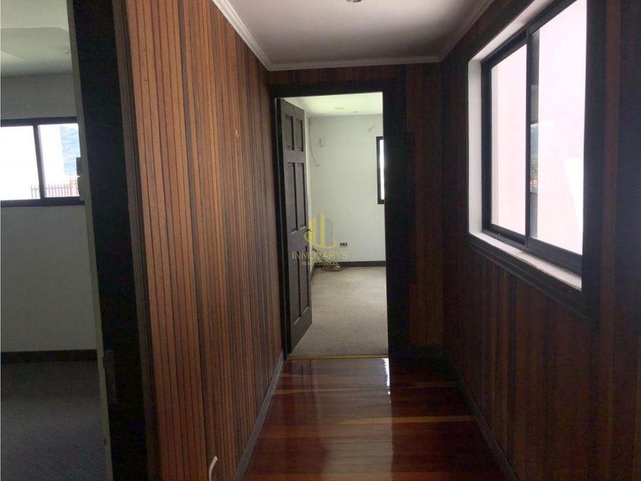alquiler de casa de 5 habitaciones en sabana oeste por ucimed