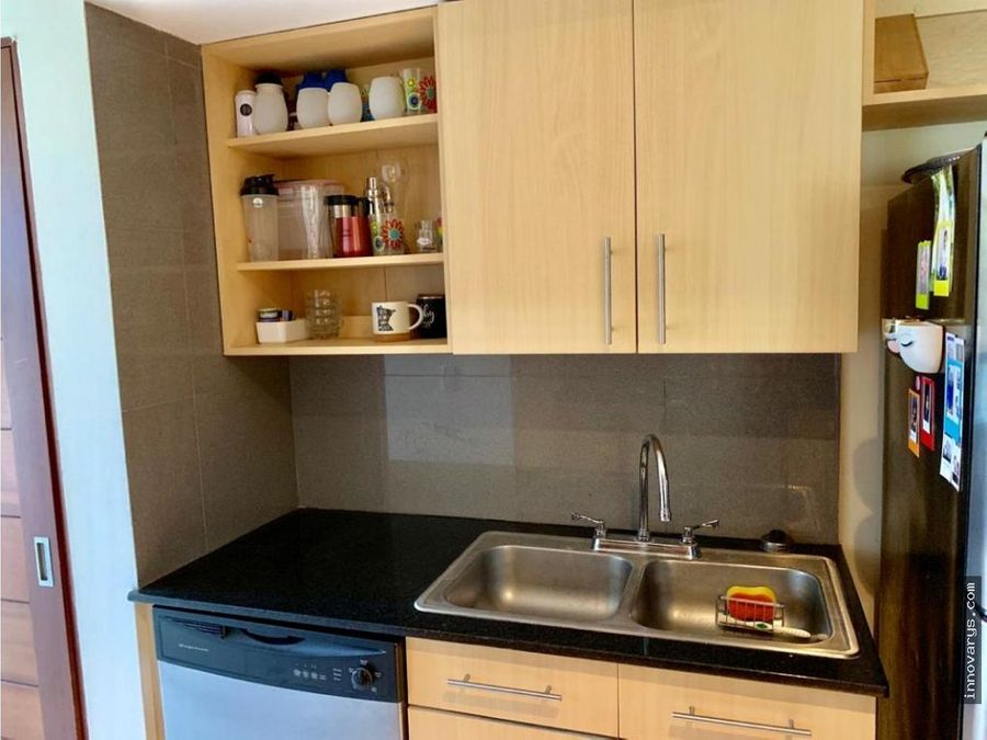 venta de apartamento de 2 cuartos en condominio pozos
