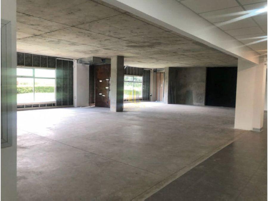 alquiler de oficina 161 m2 en gris escazu