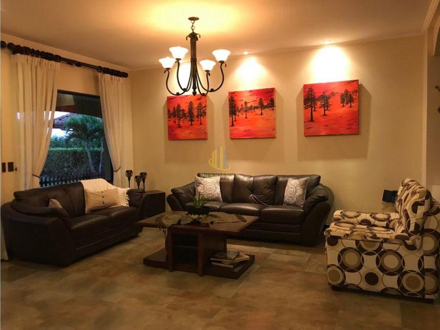 venta casa 3 habitaciones en condominio en la guacima