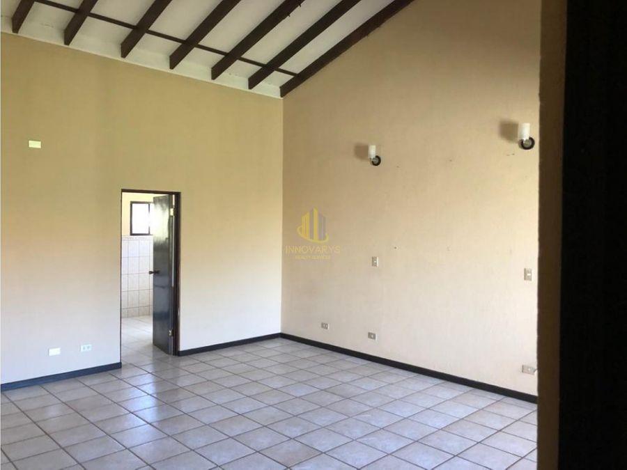 casa de dos plantas en condominio rio oro de santa ana