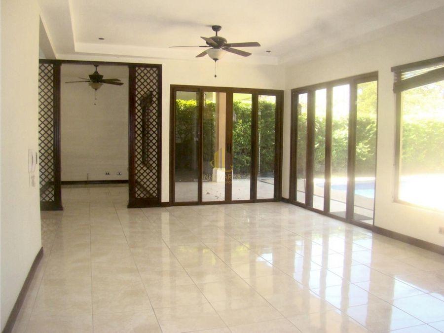 venta casa de 3 cuartos condominio posada del rio guacima