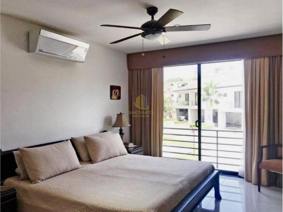 casa de 3 pisos parques del sol brasil santa ana