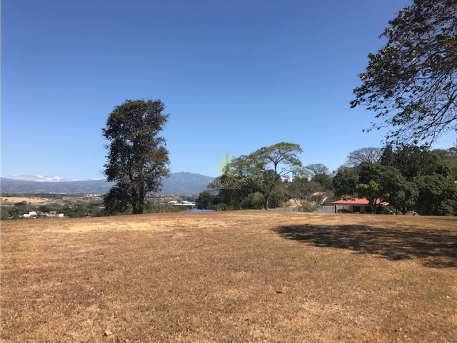 propiedad de 256 ha con uso de suelo mixto y vista ciudad colon