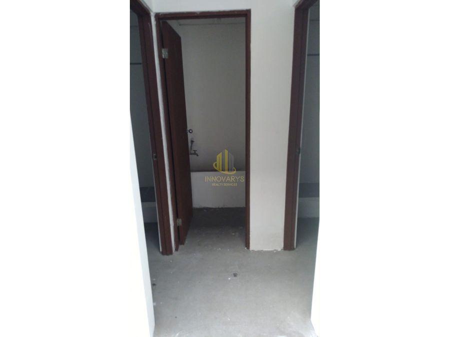 alquiler de bodega de 18716 m2 en complejo en la uruca