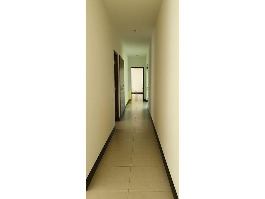 en alquiler amplia casa en condominio piedades de santa ana