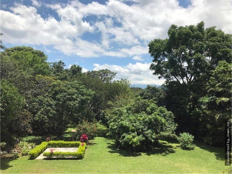 alquiler de casa de campo segura y con bellos jardines la garita