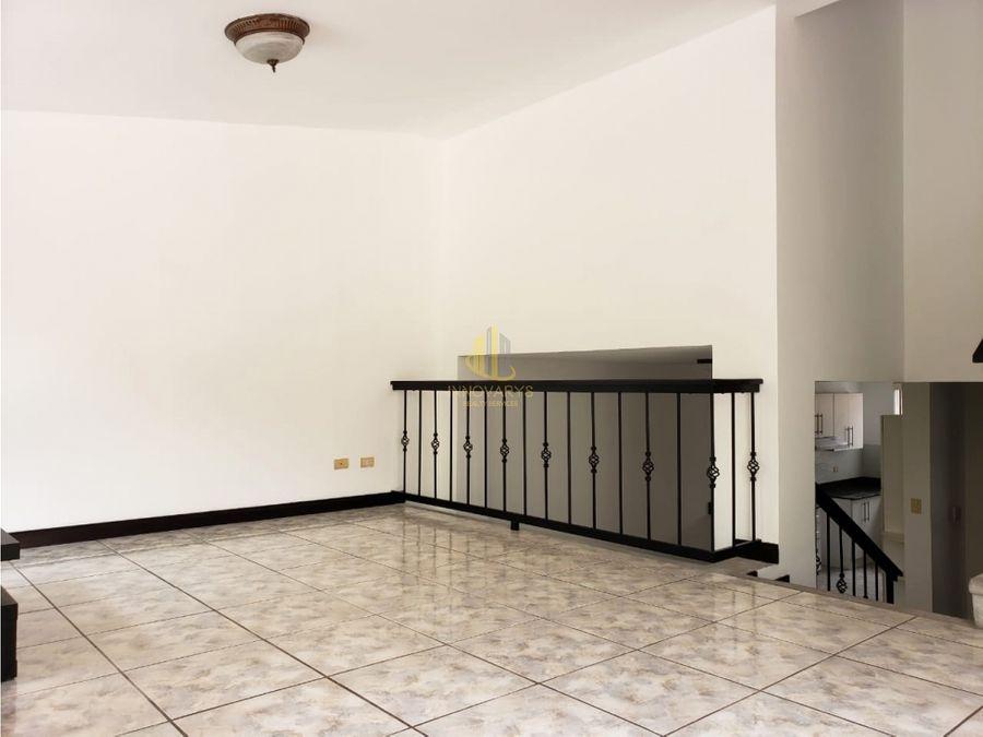 casa en residencial privado jaboncillos de escazu