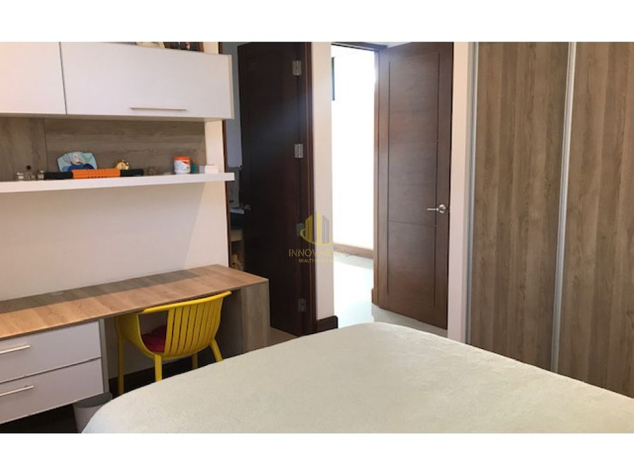 venta de casa de lujo en condominio lindora
