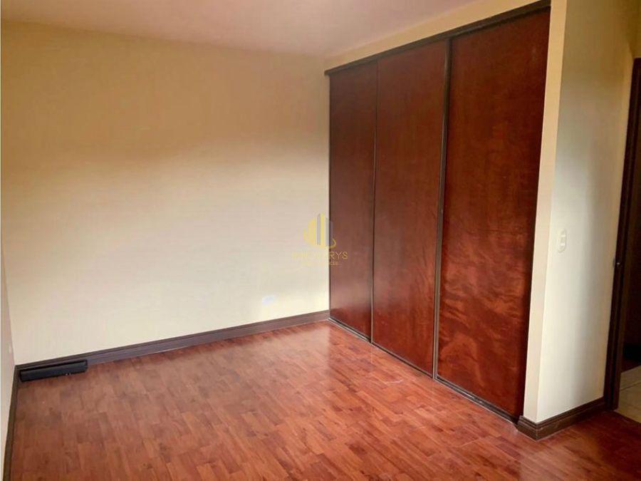 condominio de dos habitaciones en alquiler santa ana