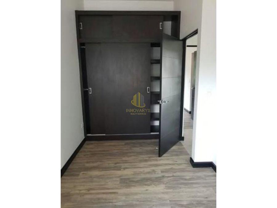 alquiler apartamento de 2 cuartos en torre rio oro