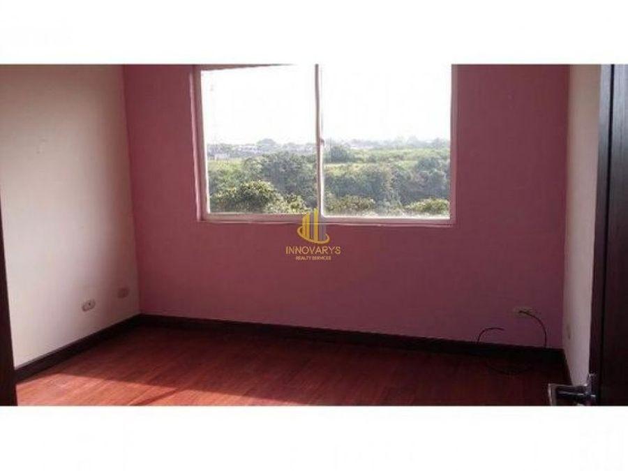 comoda casa en alquiler en condominio guachipelin norte