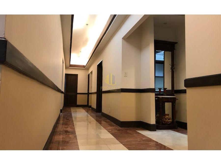 oficina remodelada de 156 m2 en venta en plaza roble escazu