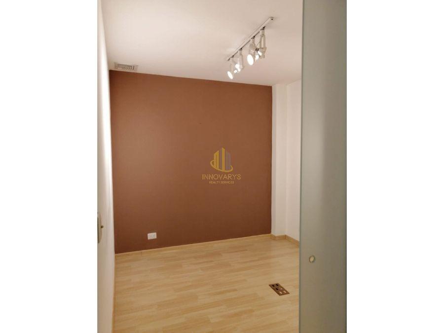 oficina de 74 m2 semiamueblada en alquiler lindora