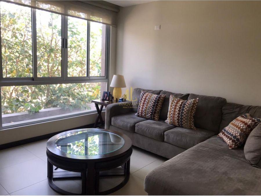 en venta casa de tres plantas en condominio pozos