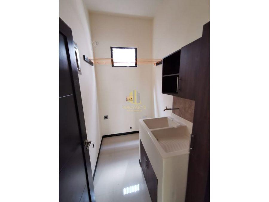venta de apartamento de 2 cuartos en rohrmoser