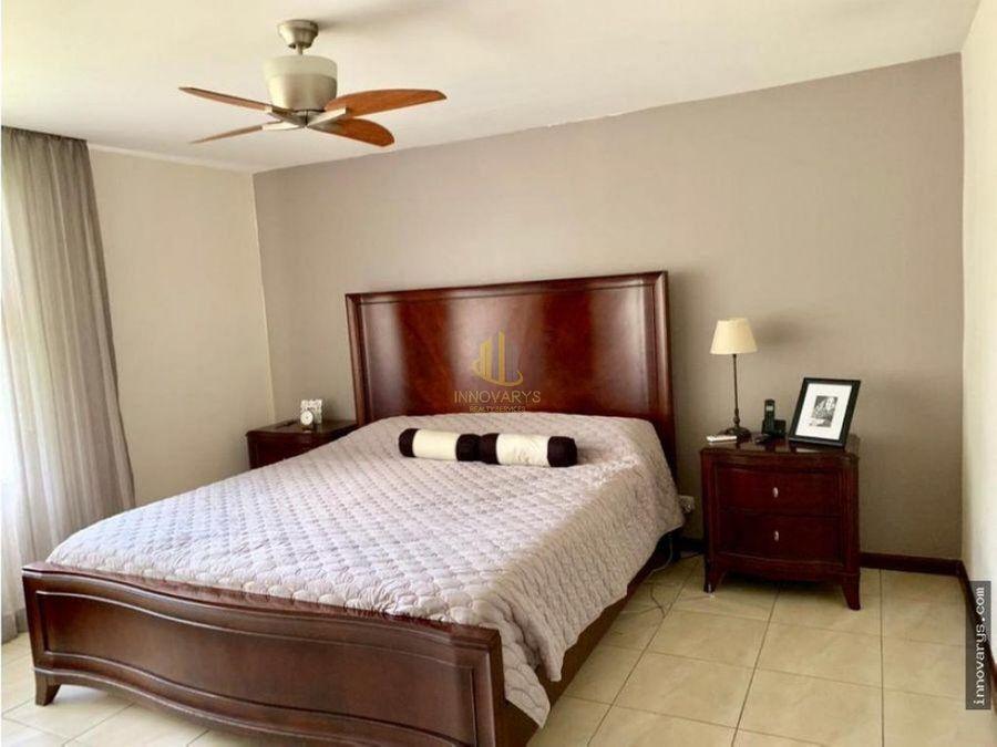 alquiler apartamento de 2 cuartos en condominio pozos