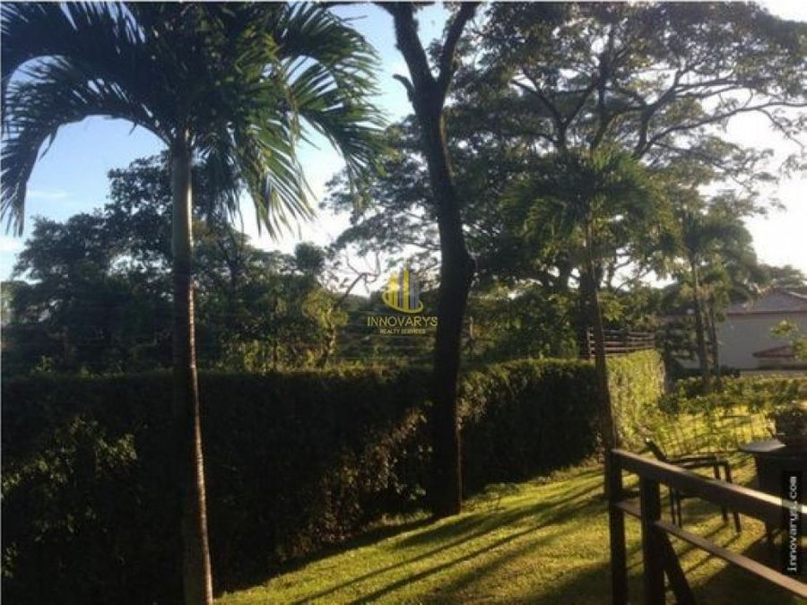 apartamento de tres habitaciones en venta brasil santa ana