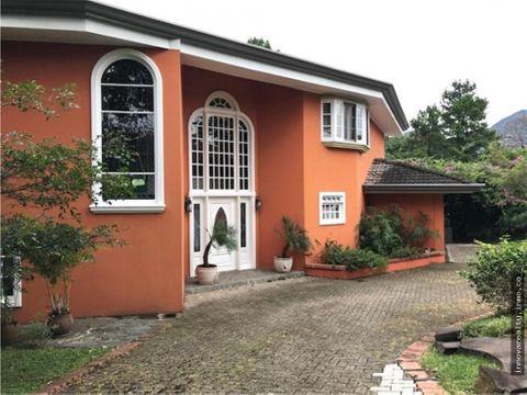 en venta casa independiente con jardines escazu