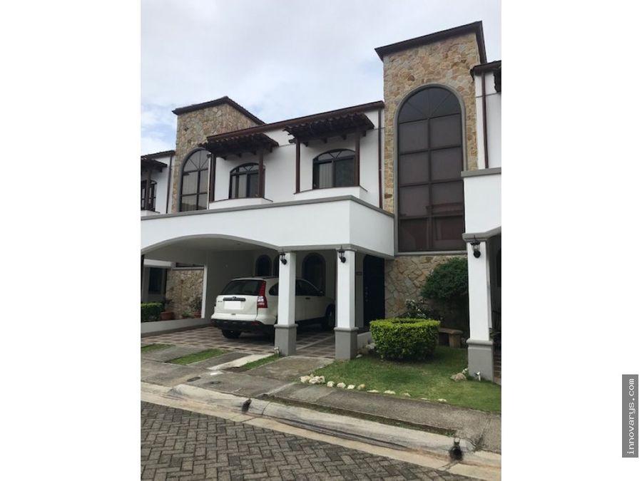 venta de casa en condominio en pozos santa ana