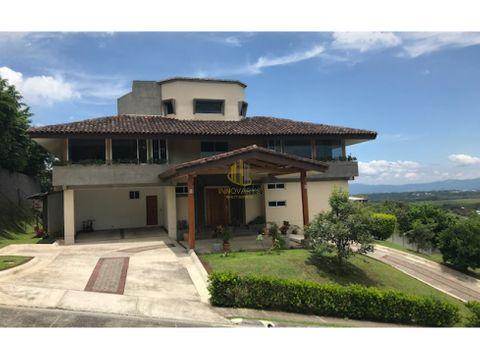 venta casa en exclusivo condominio brasil de mora