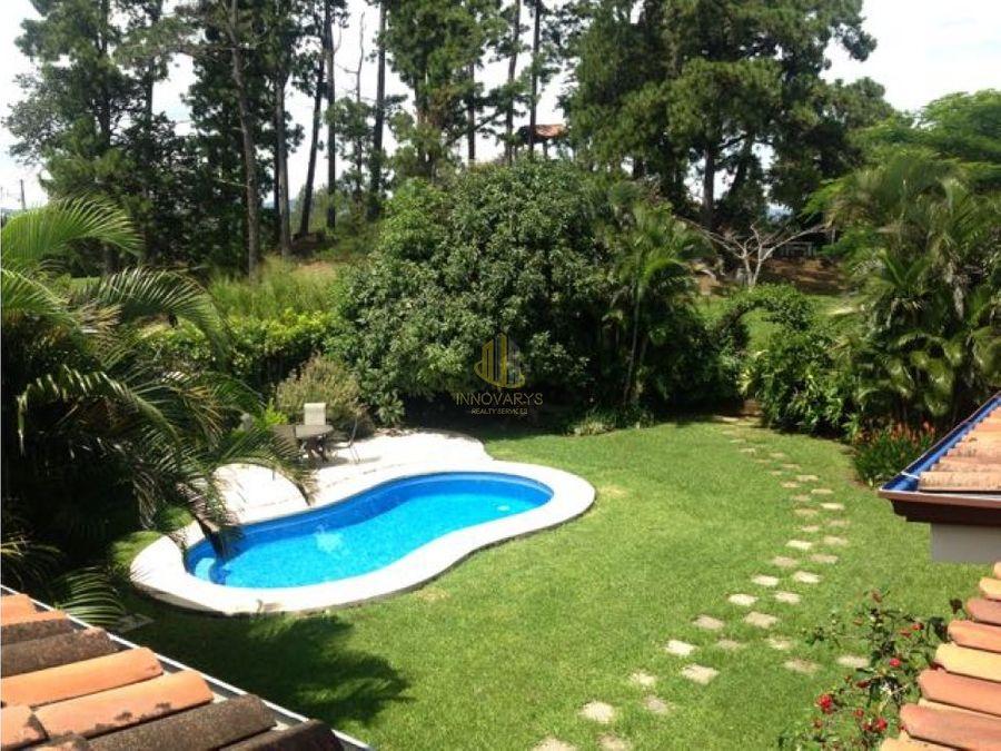 en venta casa con piscina en los reyes la guacima