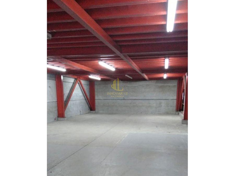 bodega de 362 m2 en alquiler en la uruca