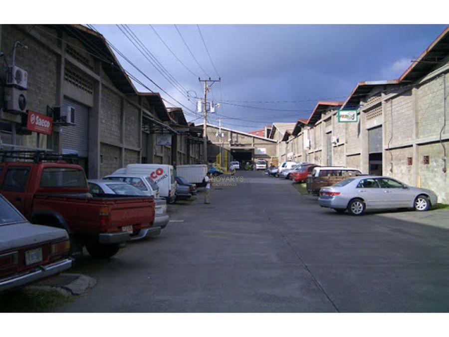 alquiler de bodega de 458 m2 en condominio industrial en pavas