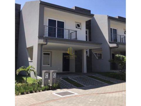venta de hermosa casa de 3 cuartos en rio palma guachipelin norte