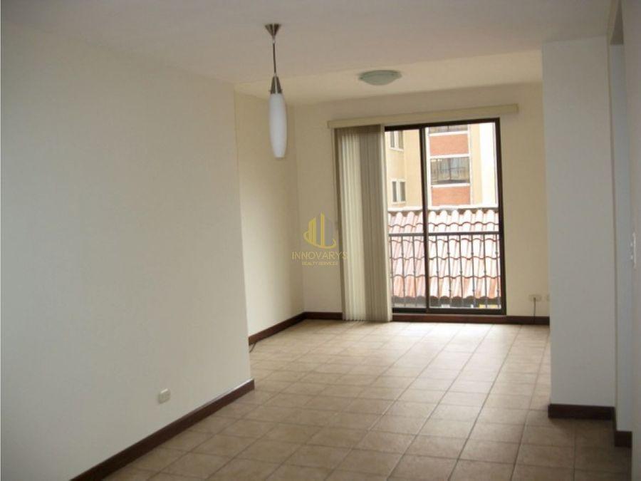 a la venta apartamento de dos habitaciones condado del palacio