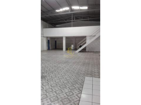 alquiler de bodega comercial de 435 m2 pavas
